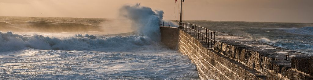 Stormy Weather For Public Libraries And >> Uk Storm Centre Met Office